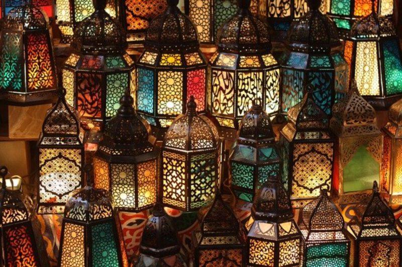 kolorowe lampy