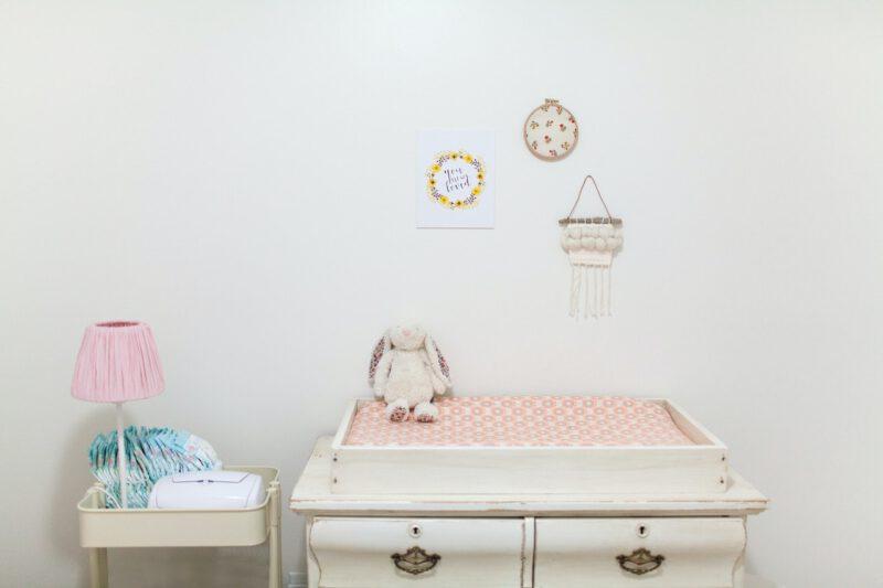 Oświetlenie w pokoju dziecięcym. Na co warto postawić?